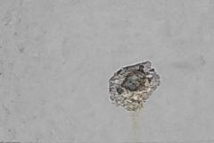 Verwijderen-ijzerpyriet-in-betonwanden-2